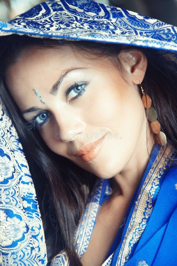 Señora en sari foto de archivo