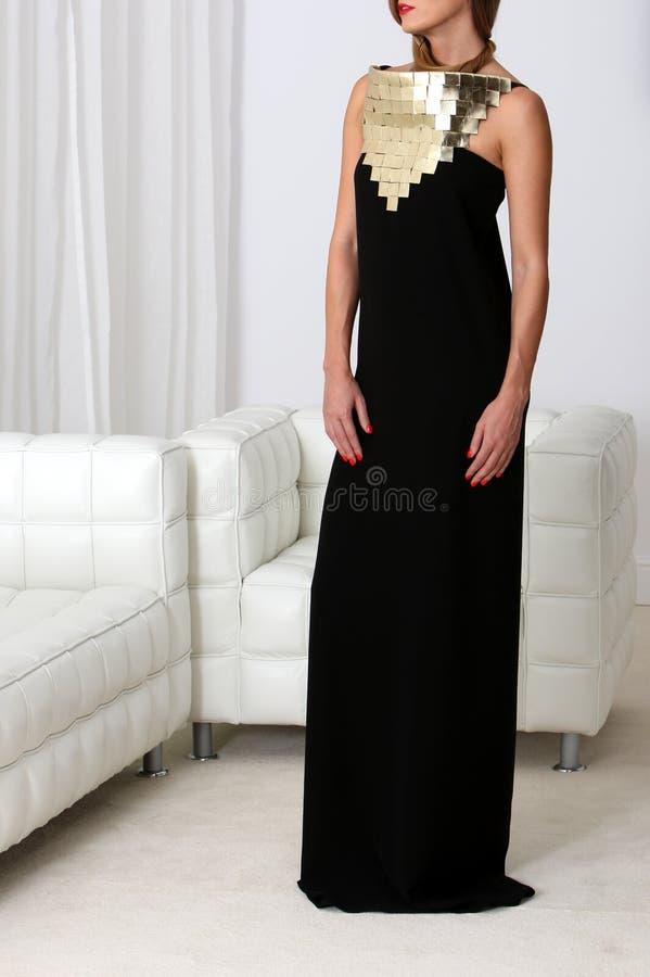Señora en vestido negro fotografía de archivo libre de regalías