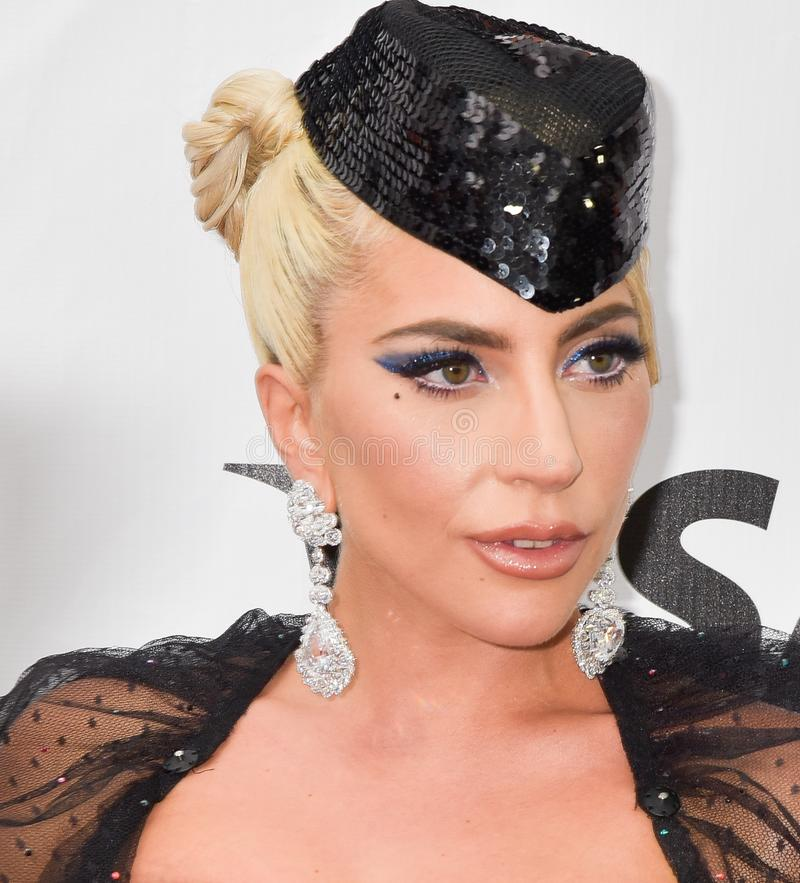 Señora Gaga en la premier de una estrella nace en el festival de cine internacional 2018 de Toronto fotos de archivo libres de regalías