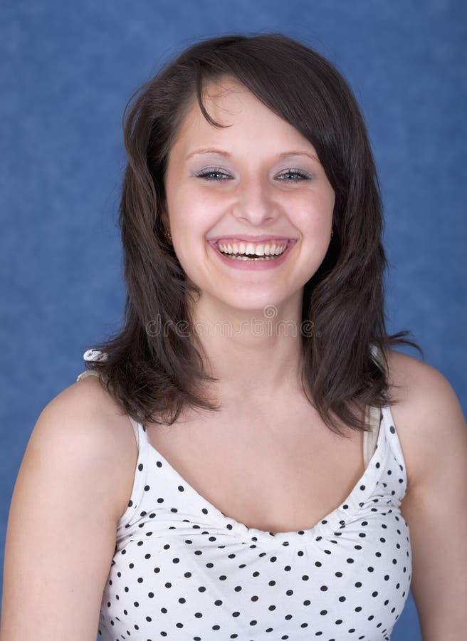 Señora joven bastante sonriente del retrato foto de archivo