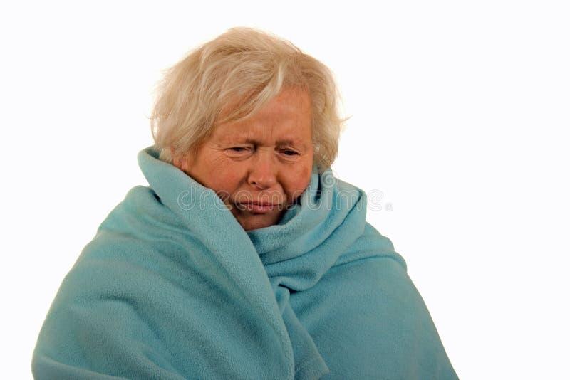 Señora mayor con gripe fotografía de archivo libre de regalías