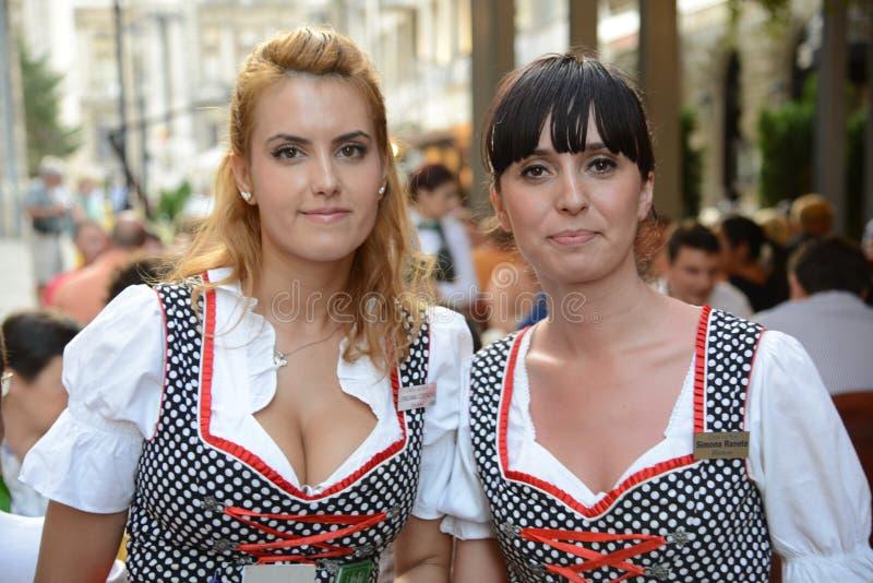 Señoras de Bucarest imagen de archivo