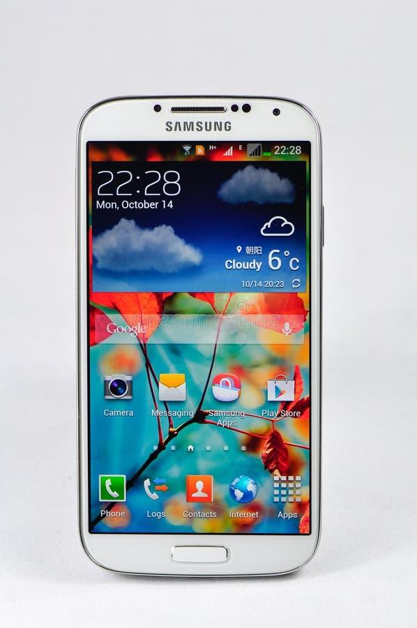 Se aísla la galaxia S4 de Samsung foto de archivo