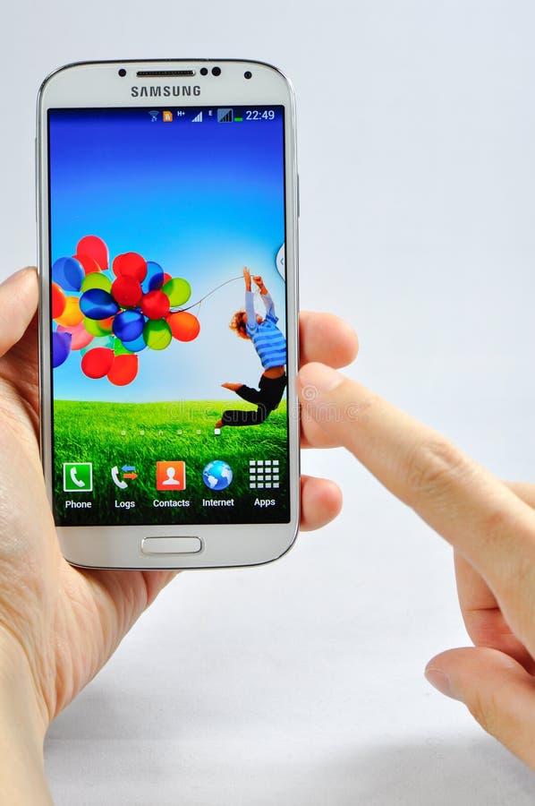 Se aísla la galaxia S4 de Samsung imagen de archivo