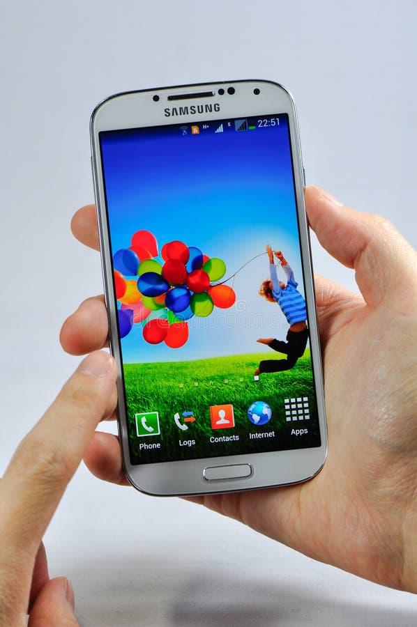 Se aísla la galaxia S4 de Samsung fotos de archivo libres de regalías