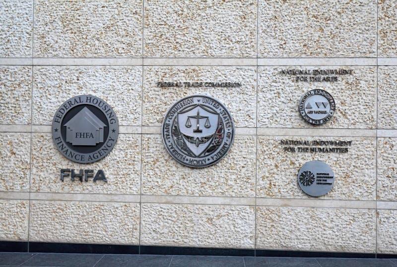 Se connecte un bâtiment fédéral à Washington, C.C photos stock