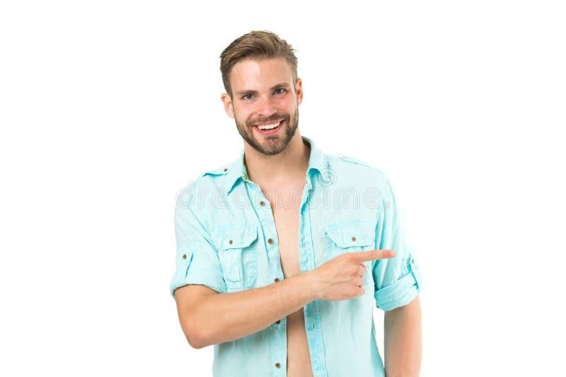Se där Stilig skäggig grabb för man som ler på isolerad vit bakgrund Peka för gladlynt leende för grabb macho som sid arkivfoton