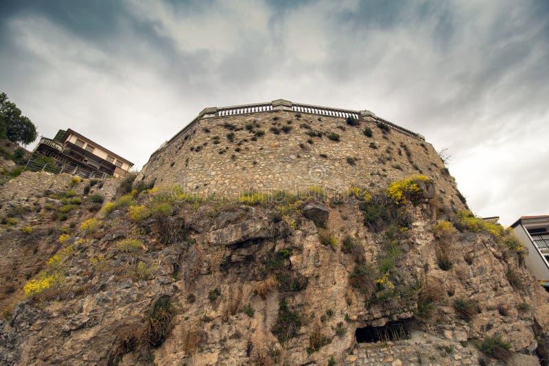 Se en del av fästningen i Ohrids O0ld-stad Nordliga Makedonien royaltyfri foto