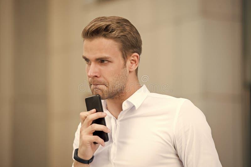Se eu chamam o primeiro sucesso em negociações móveis Passe poucos minutos antes da chamada para recolher-se Faça todos imagem de stock