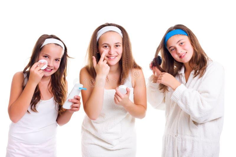 Se faire beau de l'adolescence de filles image libre de droits