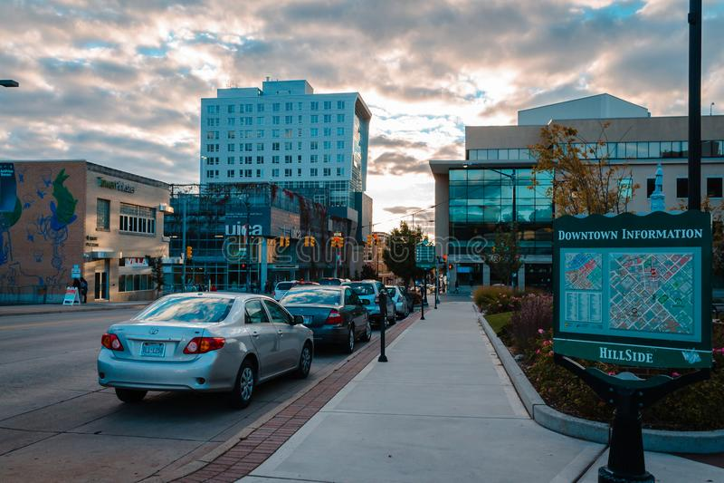 Se in i i stadens centrum Grand Rapids Michigan under Artprize royaltyfria bilder
