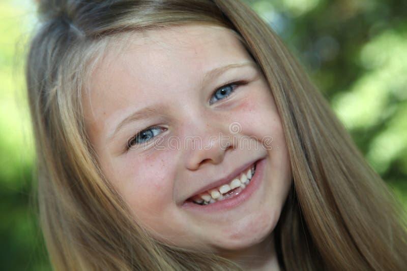 Se mina nya tänder? fotografering för bildbyråer
