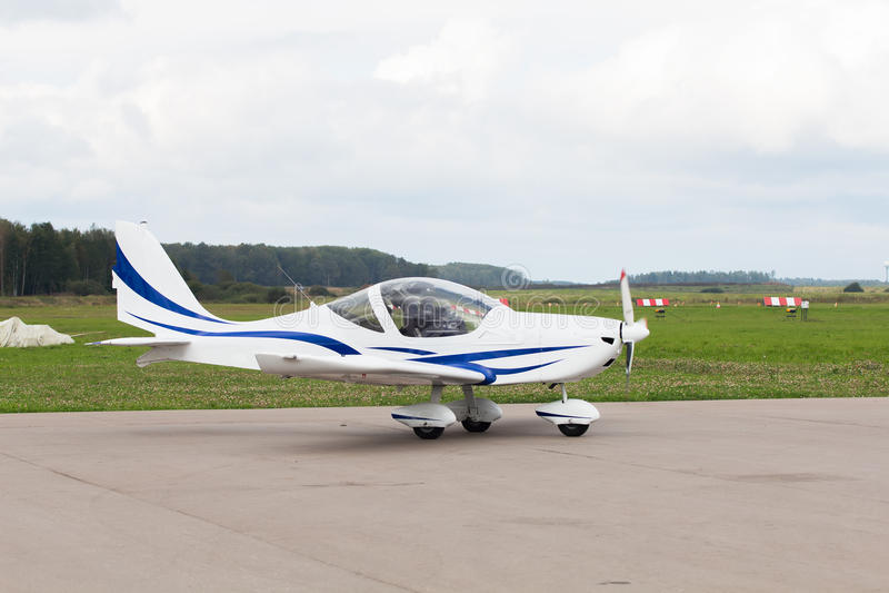Se parquea el jet privado fotografía de archivo libre de regalías