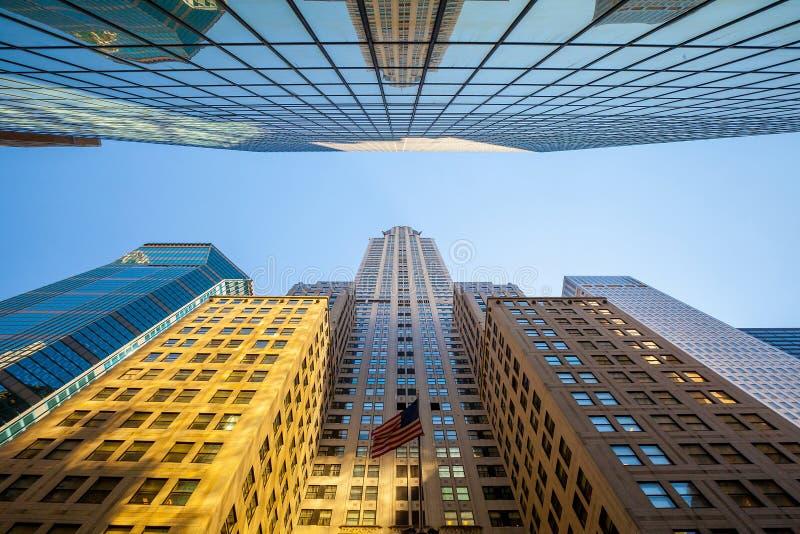Se upp i Manhattan, New York royaltyfria foton