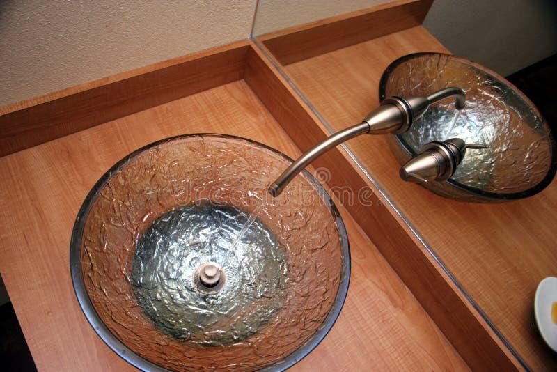Download Se-vaskar arkivfoto. Bild av stål, vatten, vask, räknare - 503102