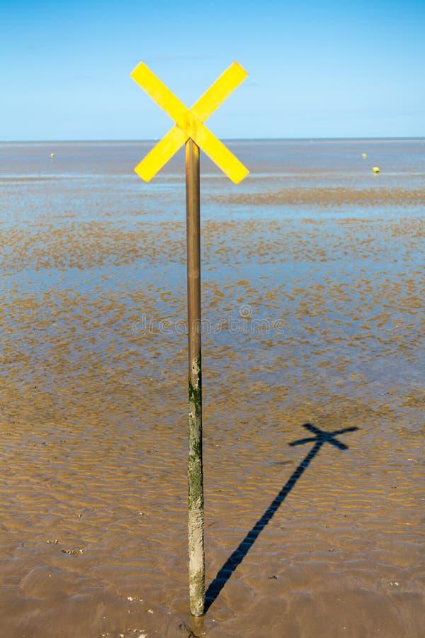 Free Sea Cross Signal Royalty Free Stock Photo - 100668215