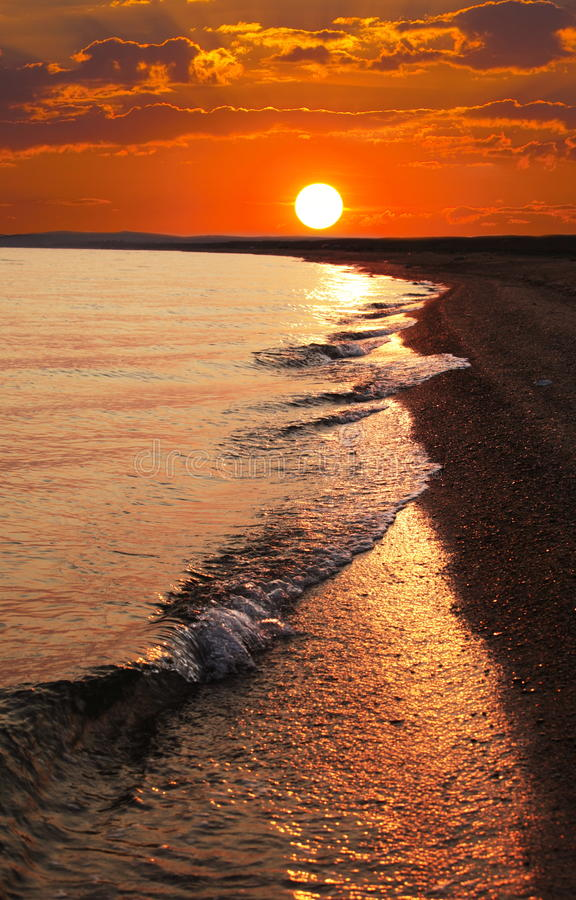 Free Sea In Sunset Royalty Free Stock Images - 11330679