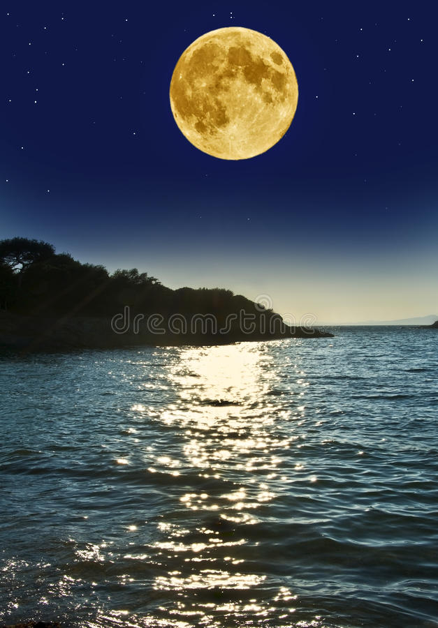 Free Sea In The Night Stock Images - 20989774