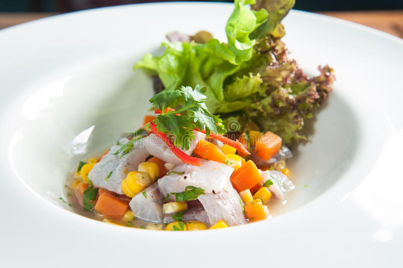 Seabass λωρίδες με τα cornseabass, λωρίδα, γεύμα, κορίανδρο, delic στοκ εικόνα με δικαίωμα ελεύθερης χρήσης