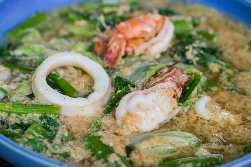Download Seafood noodle stock image. Image of dinner, green, seafood - 40932693