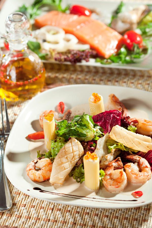 Free Seafood With Pasta Royalty Free Stock Photos - 21128218