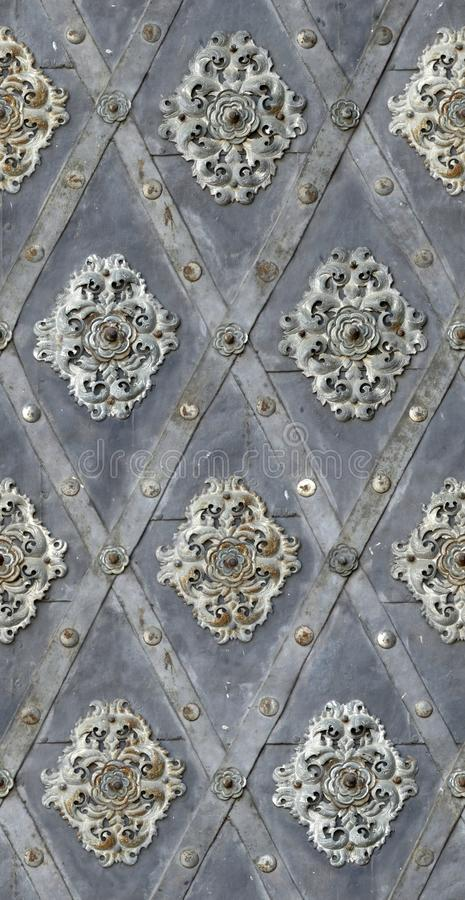 Free Seamless Texture Nailed Metal Floral Decoration Royalty Free Stock Images - 28437099