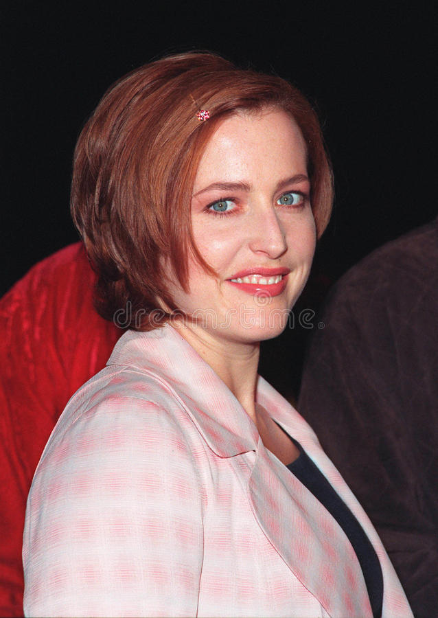 Gillian Anderson. 10DEC98: 'X-Files' star GILLIAN ANDERSON at world premiere of her new movie 'Playing by Heart' in which she stars with Sean Connery. Paul Smith stock images