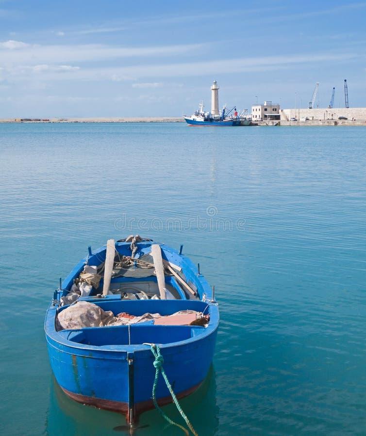 seaport för apulialiggandemolfetta arkivfoto