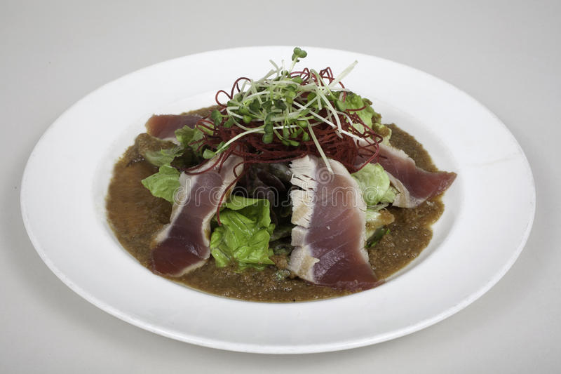 Seared ahi tuna salad stock images