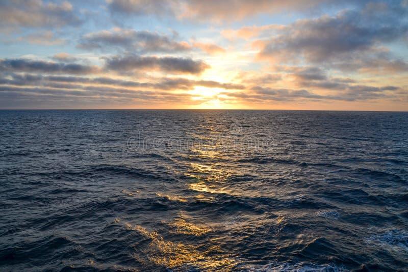 Searise ad alba immagini stock