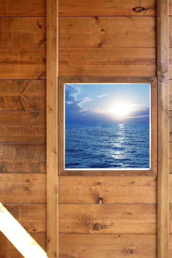 Download Seascape δωματίων παράθυρο όψης ξύ&lamb Στοκ Εικόνες - εικόνα από εσωτερικός, bazaars: 13179078