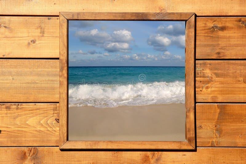 Download Seascape δωματίων παράθυρο όψης ξύ&lamb Στοκ Εικόνα - εικόνα από παλαιός, κομψότητα: 13179347