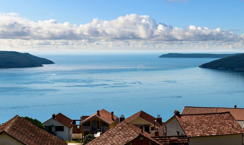 Seascape κόλπων Kotor στοκ φωτογραφίες