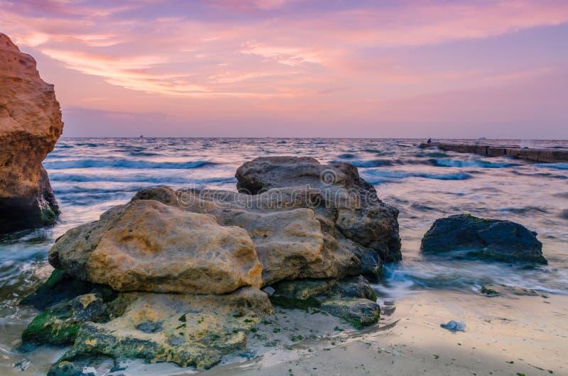 Seascape в Odesa во время захода солнца в сезоне лета стоковые фотографии rf