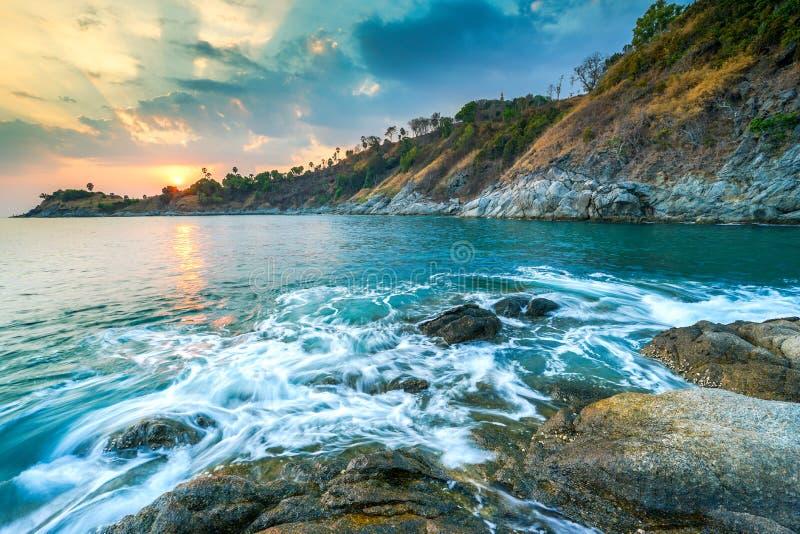 Seascape av Promthep udde på Phuket, Thailand royaltyfri foto