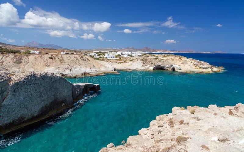 Seascape bonito nos Milos ilha, Cyclades, Grécia fotos de stock