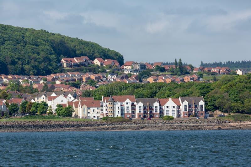 Seascape Dalgety zatoka, mała wioska przy Firth Szkocja Naprzód fotografia royalty free