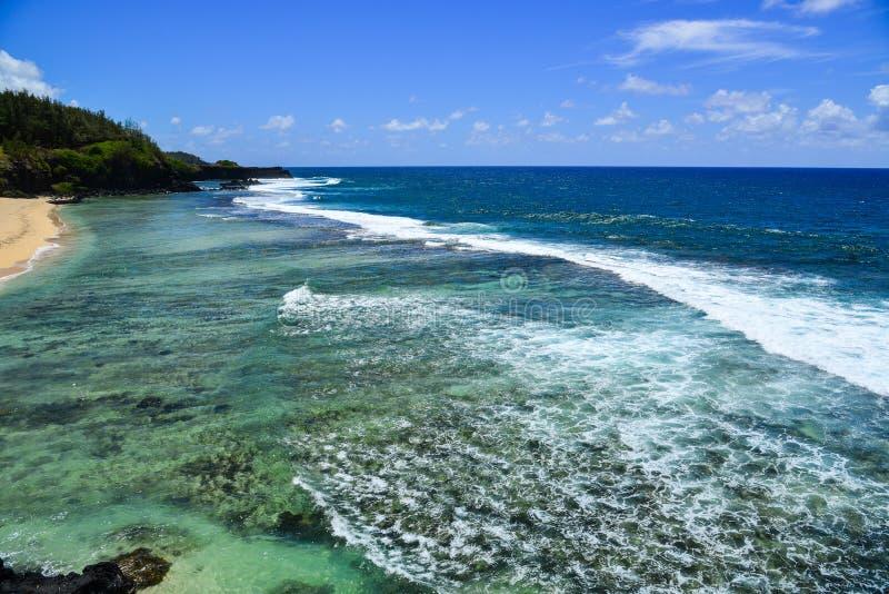 Seascape de Le Morne no verão em Maurícias imagem de stock