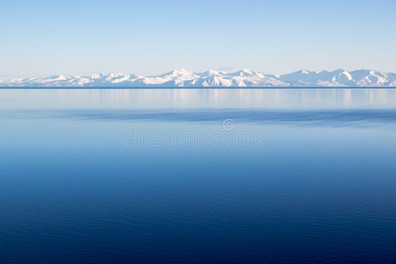 Seascape do inverno, Magadan imagem de stock royalty free