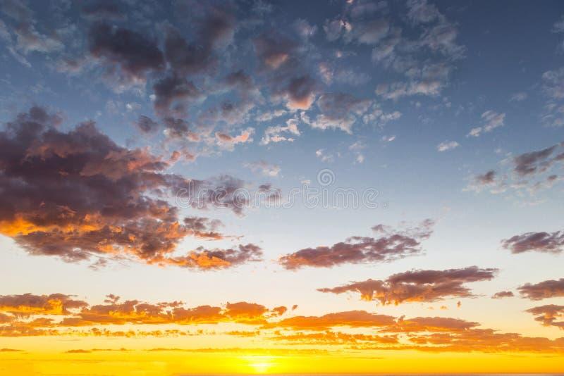 Seascape do por do sol glorioso na praia de Glenelg, Adelaide, Austrália imagens de stock