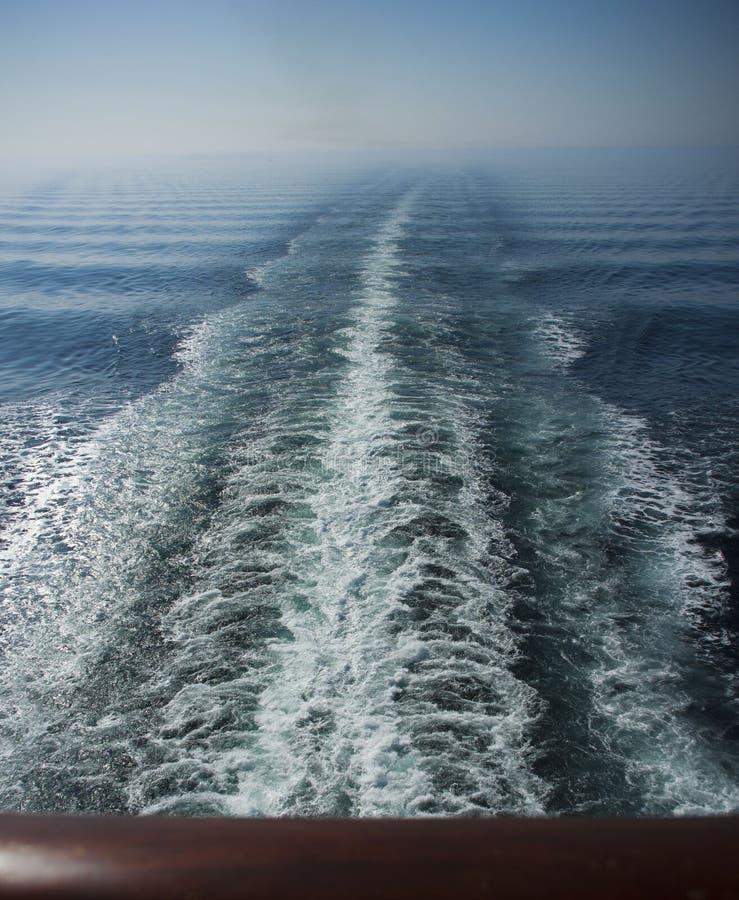Seascape kilwater w turkusowym morzu fotografia stock