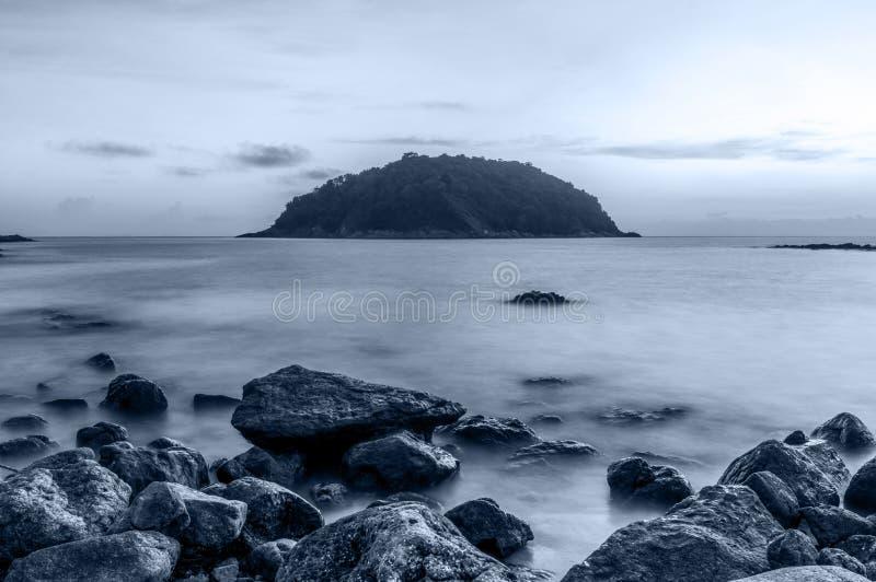 Seascape och strandsand landskap naturen i skymning arkivfoton