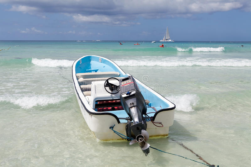 Download Seascape And Touristic Speed Boat Editorial Image - Image: 24653110