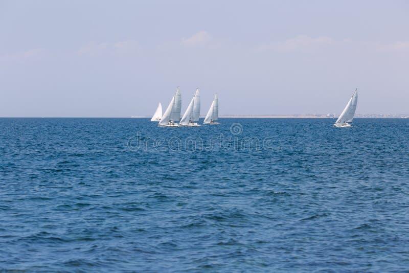 Seascape z jachtami obrazy stock