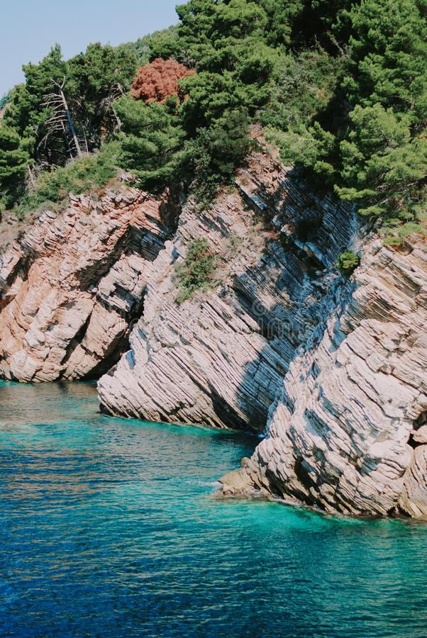 Seascape z pięknymi skałami obrazy royalty free