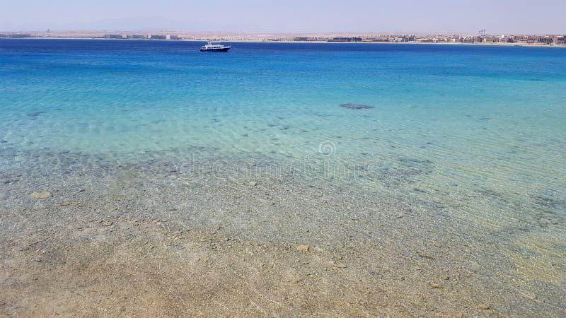 Seascapen av Röda havet arkivbilder