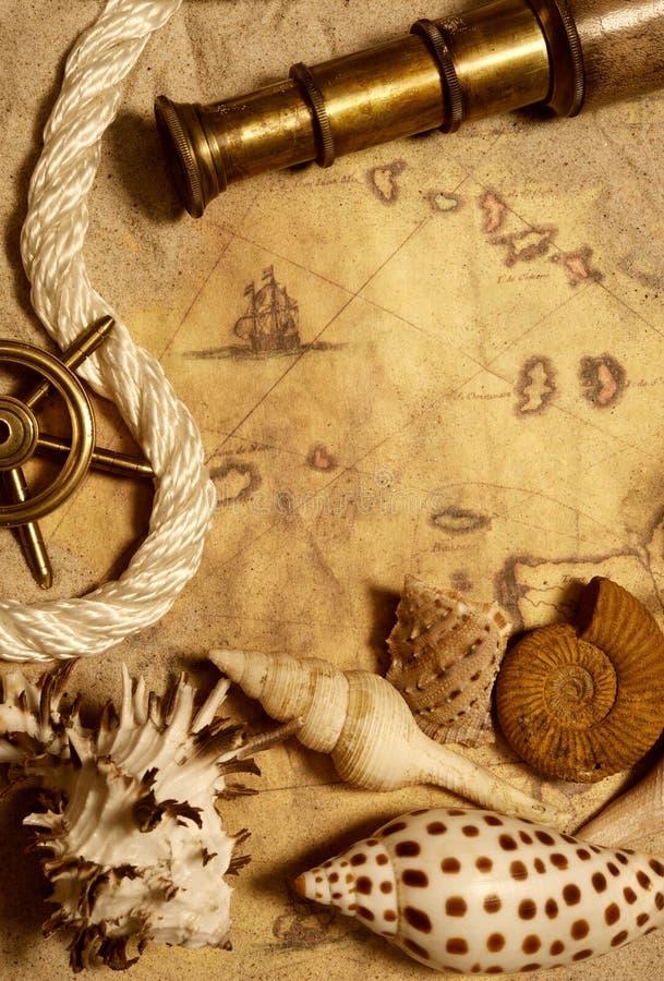 Seashell, cuerda y telescopio imagen de archivo