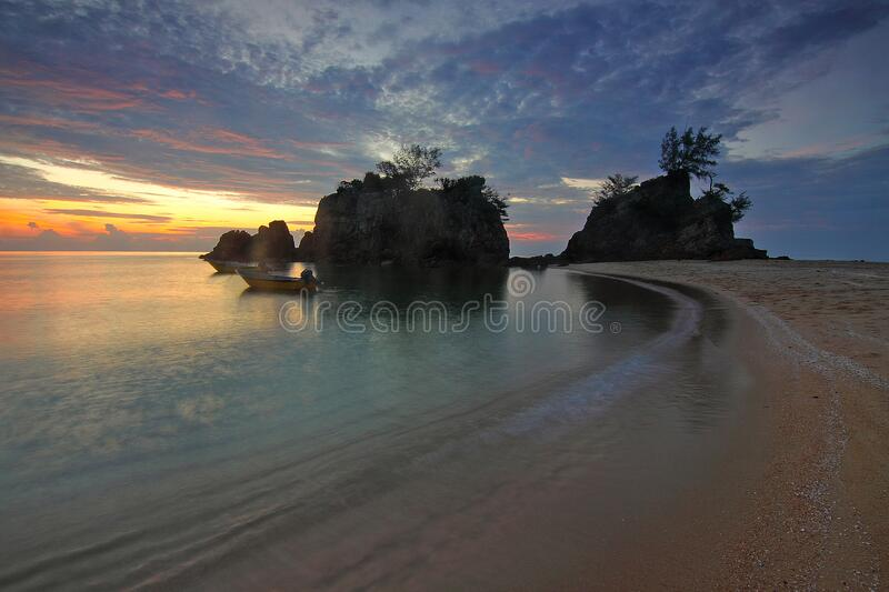 Seashore During Sunrise Photo Free Public Domain Cc0 Image
