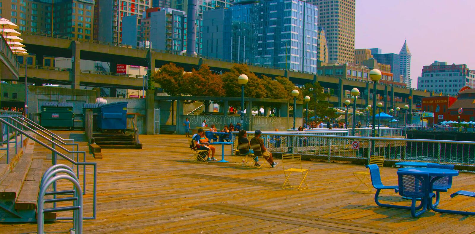 Seaside restaurant at evening in Seattle, Washington, USA mai 9, 2019 Downtown Seattle stock image
