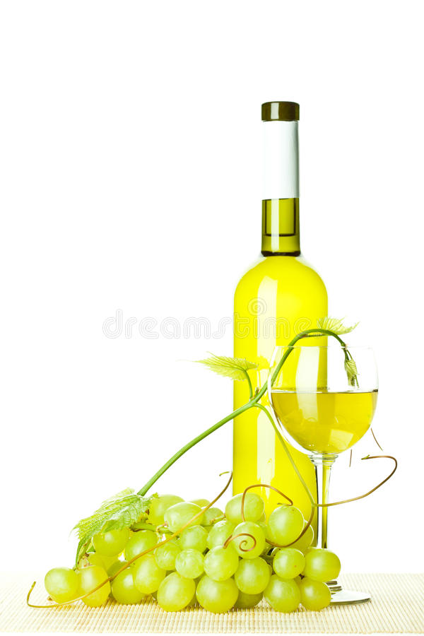Download Seasoned Wine And Branch Of Green Grapes Royalty Free Stock Photo - Image: 25862895